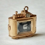 Rare 9ct Gold Hallmark Stanhope Camera Charm with Views of London Opens & Moves