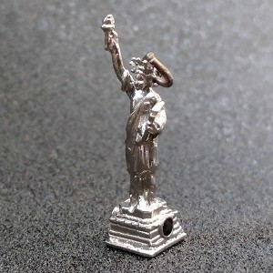 Wells Sterling Silver Statue of Liberty Charm with New York Stanhope Viewer