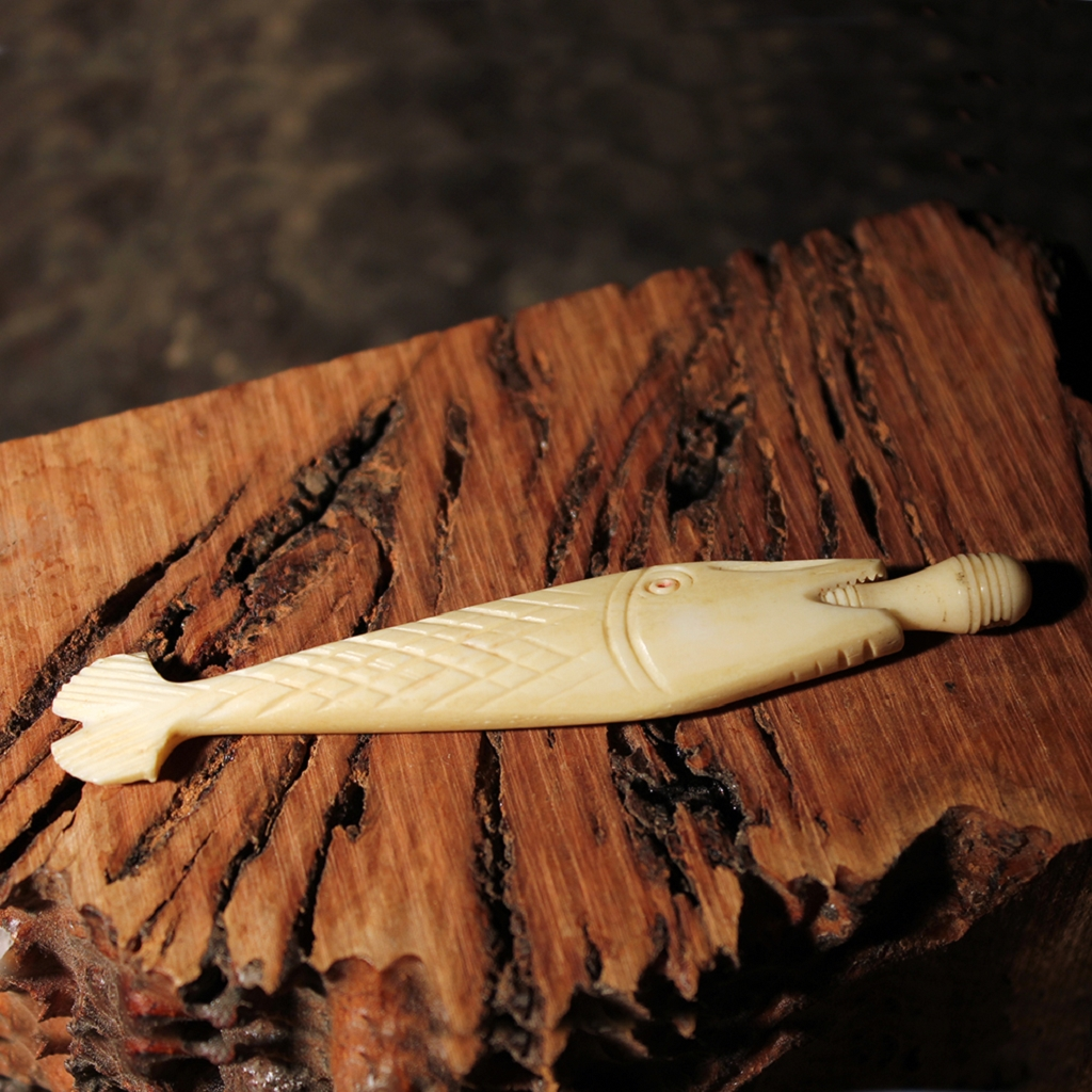Vintage Carved Bone Figural Fish Needle Case with Sicilian Stanhope Viewer