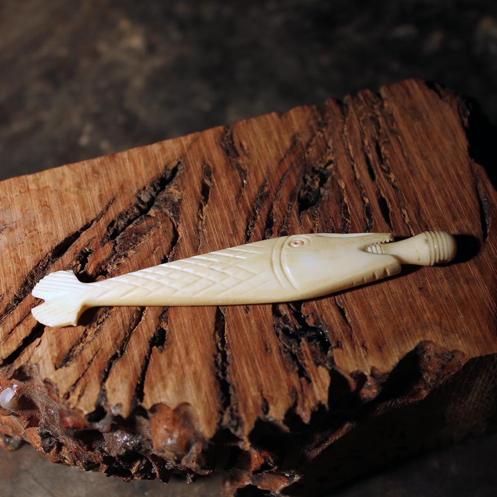Vintage Carved Bone Figural Fish Needle Case Sicilian Stanhope Viewer Stanhope Microworks